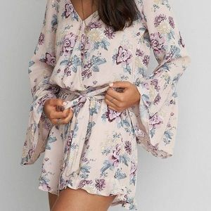 {American eagle} floral romper w/ flare sleeves